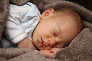 בלי לילות לבנים כך תסייעו לתינוק לישון טוב