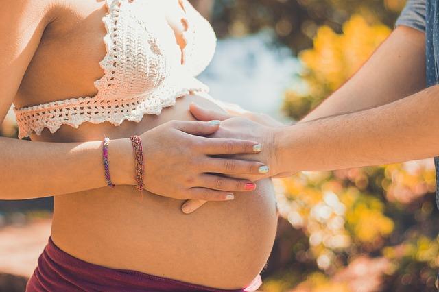 כל מה שרציתן לדעת על צילומי הריון